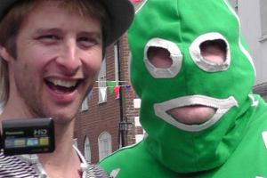 Our resident Giant with Chesney Hawkes